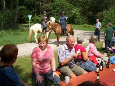 10 Jahre Wanderschutzhuette Am Sennerandweg 11 20160703 1529533922