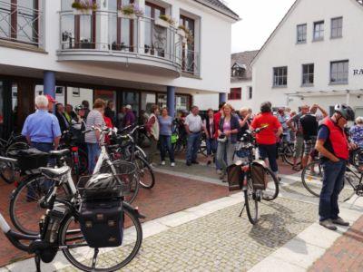 Fahrradwanderung Zur Heidebluetezeit 1 20160822 1818872431
