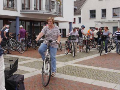 Fahrradwanderung Zur Heidebluetezeit 3 20160822 1375764514